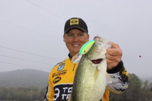 Big Show with a Lake Guntersville Largemouth Caught in 2011