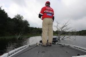 Mark Menendez Fishing Super Shallow Wood in Texas Heat - photo by Dan O'Sullivan