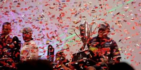 Randall Tharp Holds his Trophy amid the Confetti - photo by Dan O'Sullivan