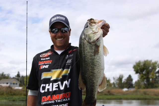 Video pro tips with bryan thrift and kevin stewart for Lake bryan fishing