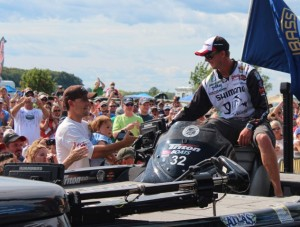 Jonathon VanDam Greets the Fans at the St. Lawrence River - photo courtesy True Image Promotions
