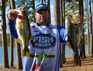 Clent Davis Signs with Phenix Rods
