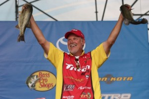Bassmaster Elite Series Delaware River Day One Leader Boyd Duckett - photo by B.A.S.S. - Gary Tramontina