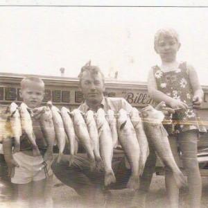 1969 Bill Huntley and kids - Jeff Huntley Jennifer Huntley Smith