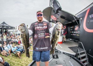 JT Kenney Leads Day Two at FLW Tour Lake Toho - photo courtesy of FLW