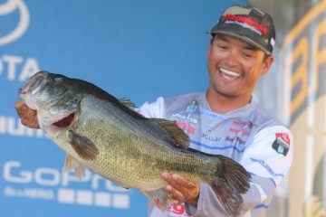 Bassmaster Elite Series Sacramento Day One Leader Chris Zaldain - photo by Seigo Saito - Bassmaster