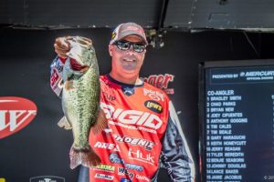 2016 FLW Tour Kentucky Lake Day One Leader Brad Knight - photo courtesy Jody White - FLW