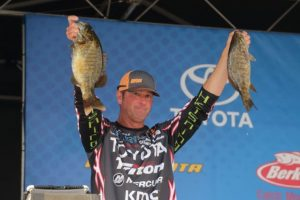 2016-toyota-bassmaster-aoy-championship-day-two-gerald-swindle-photo-by-seigo-saito-bassmaster