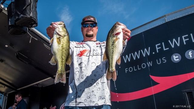 Stephen Patek Takes Day Two Lead Of 2017 Flw Tour Lake Travis