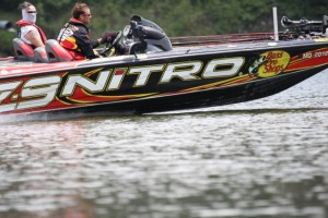 Kevin VanDam Running and Gunning on the Alabama River July 2010 - photo by Dan O'Sullivan