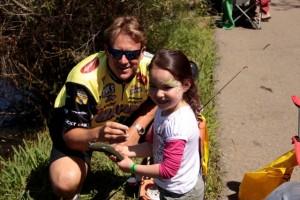 Skeet Reese Kids Fishing Day 2013 (33)