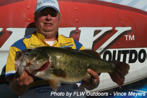 Mike Reynolds photo by FLW Outdoors Vince Meyers