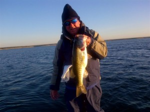 RonnieReeseAmistad6-pounder-11-11-2011
