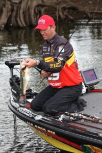 Kevin VanDam Lands Ocho Bass - Photo by Dan O'Sullivan