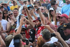 Mike Iaconelli Celebrating with the Fans - photo by Gary Tramontina - Bassmaster