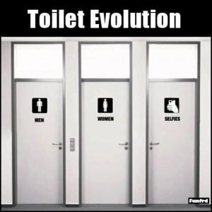 men-women-selfie-toilet